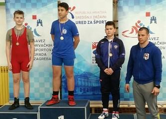 Mladi hrvači osvojili pet medalja, Josip Matić slavio u prvoj borbi života