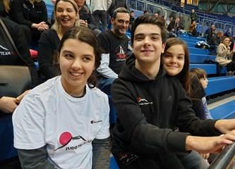 Najjača podrška s tribina: Fuji i Futsal Dinamo u plavoj Ciboni