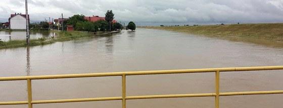 U Petrovini se izlio kanal