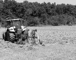 U prevrtanju traktora teško ozlijeđen 60-godišnjak